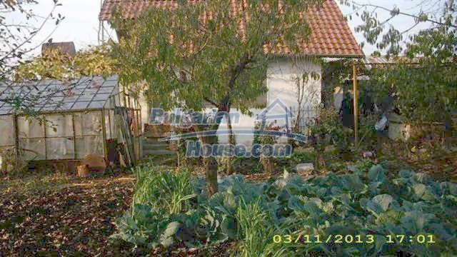 11945:3 - Cheap house with lovely garden and nice surroundings - Bourgas