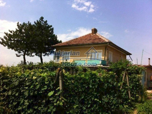 11977:1 - Very cheap house with lovely huge garden near Krivodol