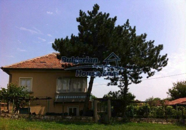 11977:2 - Very cheap house with lovely huge garden near Krivodol
