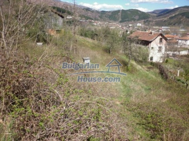11978:2 - Sunny property with beautiful extensive garden near Vratsa