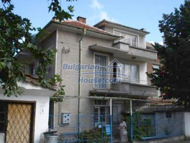 11990:1 - Very spacious and well maintained house in Elhovo