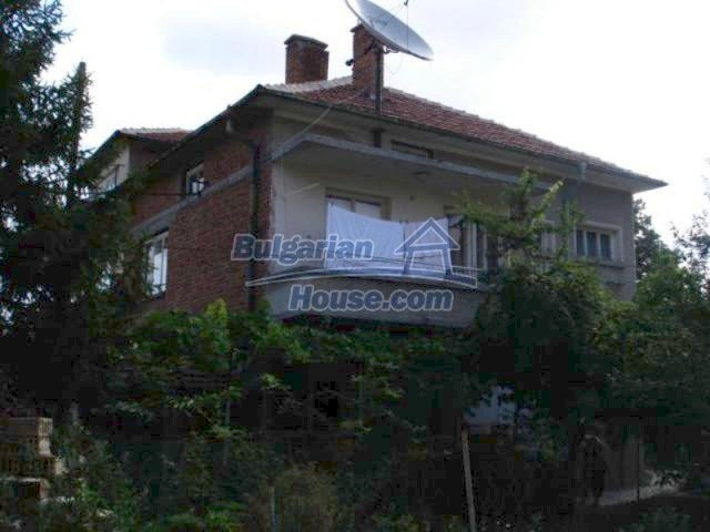 11990:3 - Very spacious and well maintained house in Elhovo