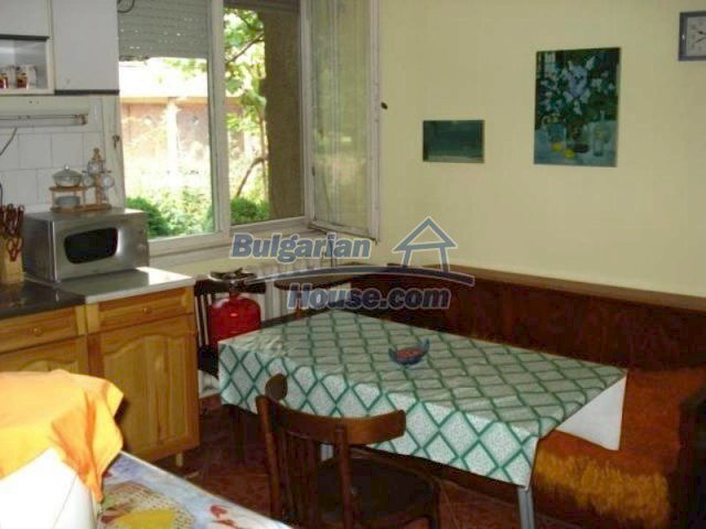 11990:5 - Very spacious and well maintained house in Elhovo