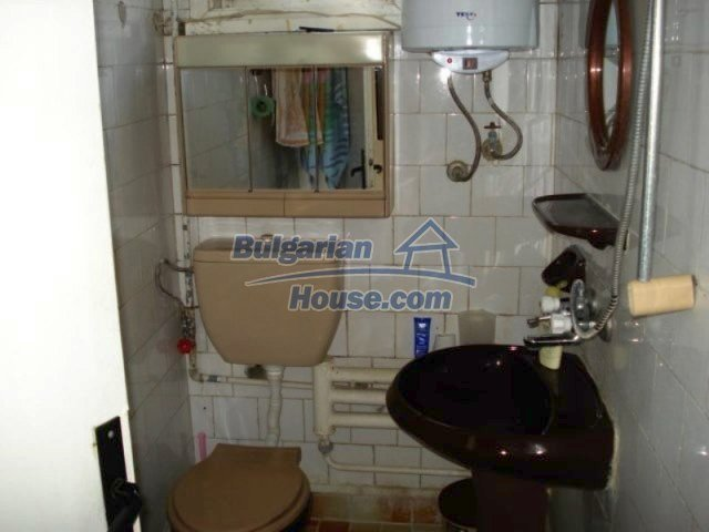 11990:11 - Very spacious and well maintained house in Elhovo