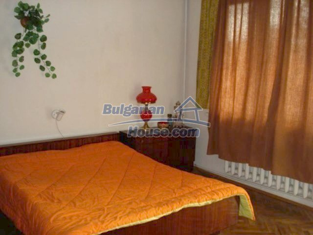 11990:12 - Very spacious and well maintained house in Elhovo
