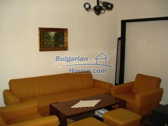 11990:15 - Very spacious and well maintained house in Elhovo