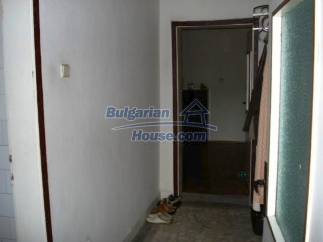 11990:10 - Very spacious and well maintained house in Elhovo