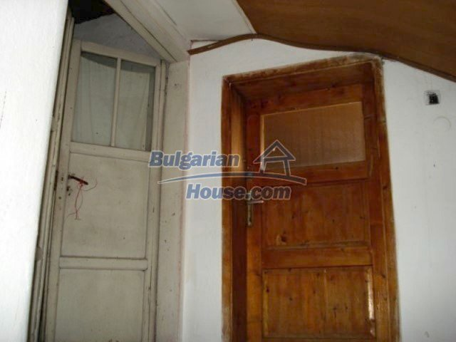11990:18 - Very spacious and well maintained house in Elhovo