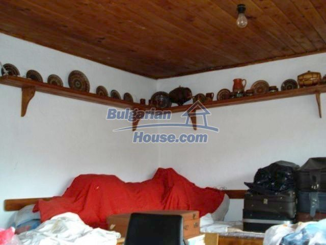 11990:19 - Very spacious and well maintained house in Elhovo