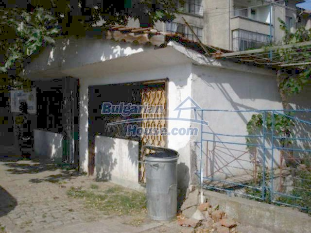 11990:28 - Very spacious and well maintained house in Elhovo
