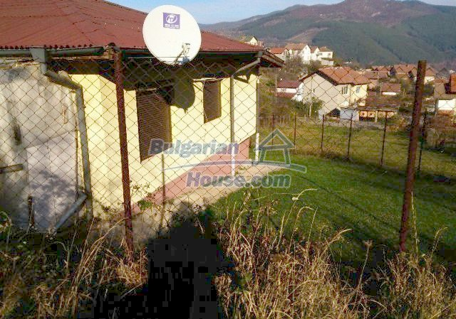12000:13 - Fabulous house in scenic area in Sofia District