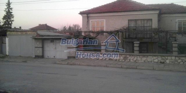 12021:2 - Attractively disposed house 2 km away from Plovdiv