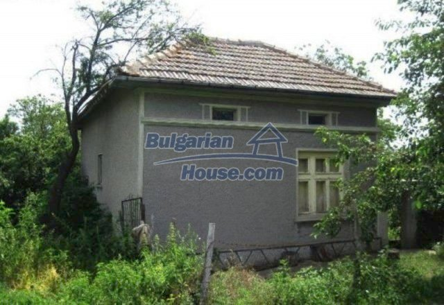 12044:3 - Cheap rural house with large garden near Targovishte