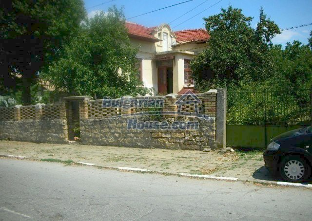 12048:1 - Well presented furnished house at low price - Targovishte