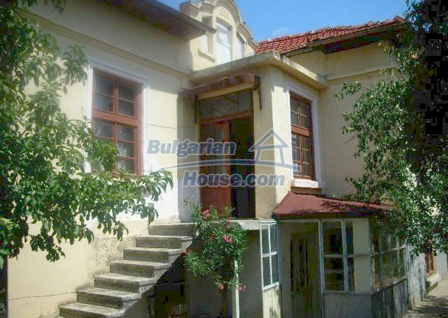 12048:2 - Well presented furnished house at low price - Targovishte