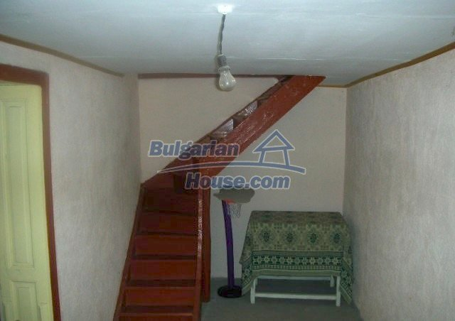 12048:7 - Well presented furnished house at low price - Targovishte