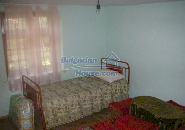 12048:8 - Well presented furnished house at low price - Targovishte