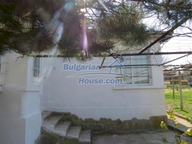12053:7 - Lovely sunny house with big garden at low price - Elhovo
