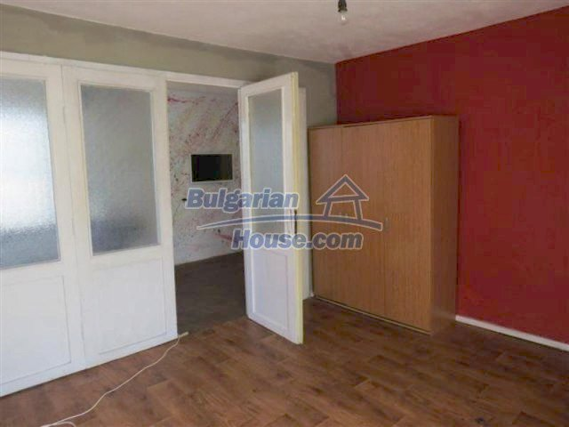 12053:11 - Lovely sunny house with big garden at low price - Elhovo