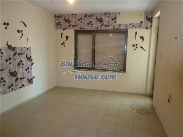 12066:17 - Spacious completed multi-room apartment in Bourgas city