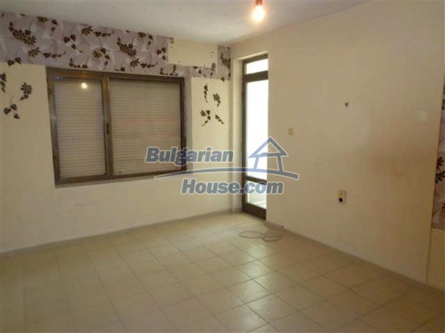 12066:1 - Spacious completed multi-room apartment in Bourgas city
