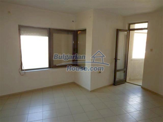 12066:24 - Spacious completed multi-room apartment in Bourgas city