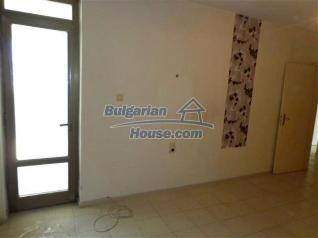 12066:18 - Spacious completed multi-room apartment in Bourgas city