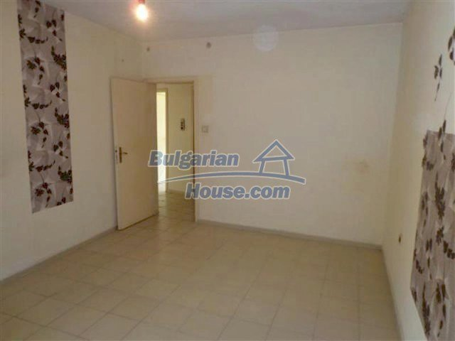 12066:19 - Spacious completed multi-room apartment in Bourgas city