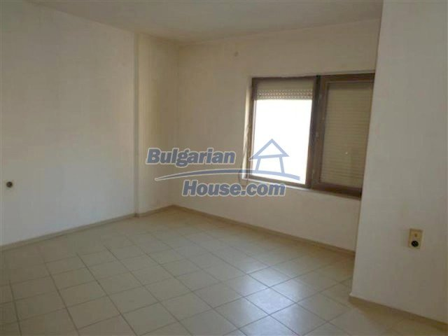 12066:22 - Spacious completed multi-room apartment in Bourgas city