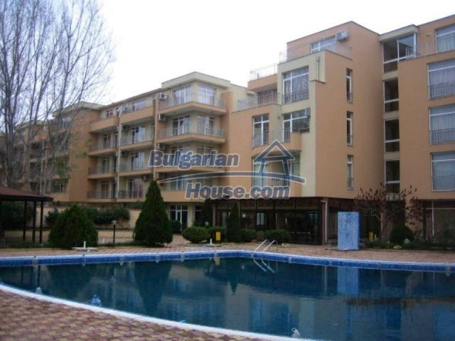 12074:5 - Bulgarian studio apartment with elegant furniture in Sunny Beach