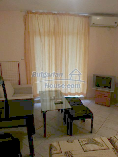 12074:10 - Bulgarian studio apartment with elegant furniture in Sunny Beach