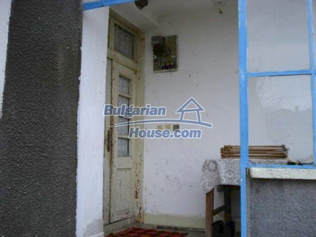12080:2 - Big advantageous house with lovely garden near Elhovo