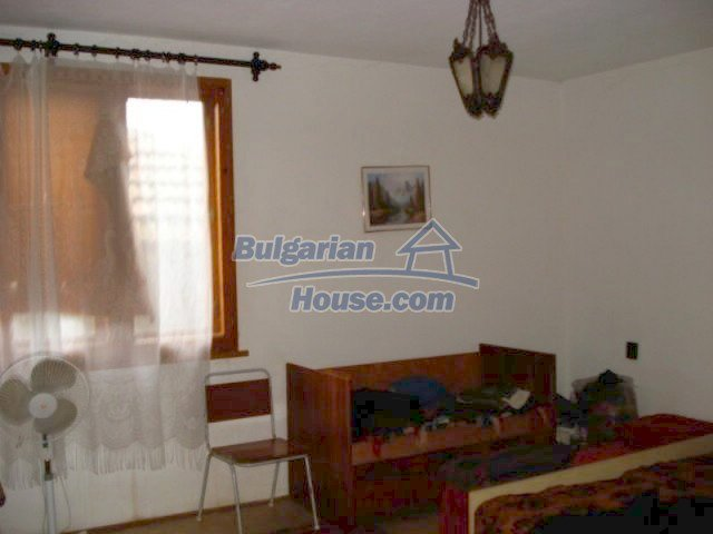 12080:6 - Big advantageous house with lovely garden near Elhovo