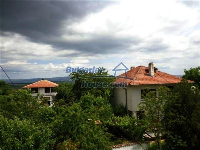 12086:16 - Solid seaside house with mountain view - Pomorie
