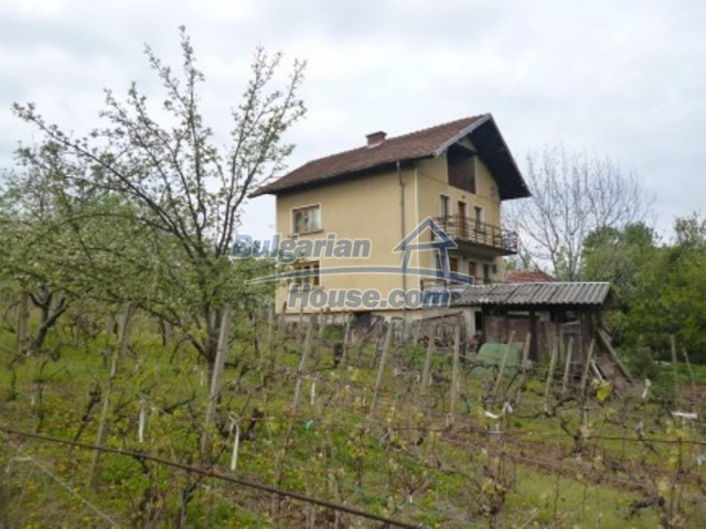 12090:3 - Large three-storey house 3 km away from Vratsa – nice views