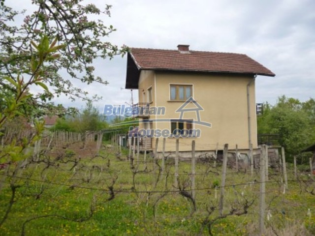 12090:5 - Large three-storey house 3 km away from Vratsa – nice views