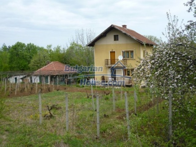 12090:7 - Large three-storey house 3 km away from Vratsa – nice views