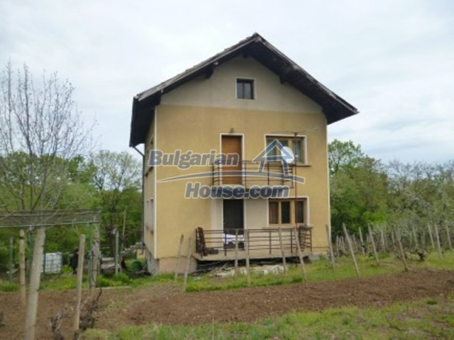 12090:8 - Large three-storey house 3 km away from Vratsa – nice views