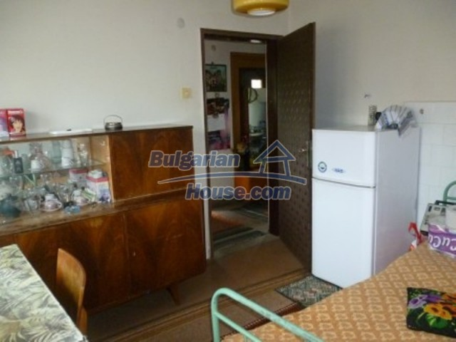 12090:16 - Large three-storey house 3 km away from Vratsa – nice views