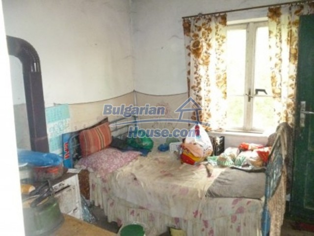 12090:26 - Large three-storey house 3 km away from Vratsa – nice views