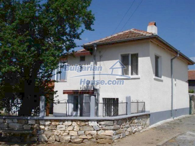 12091:4 - Charming recently renovated house near Elhovo