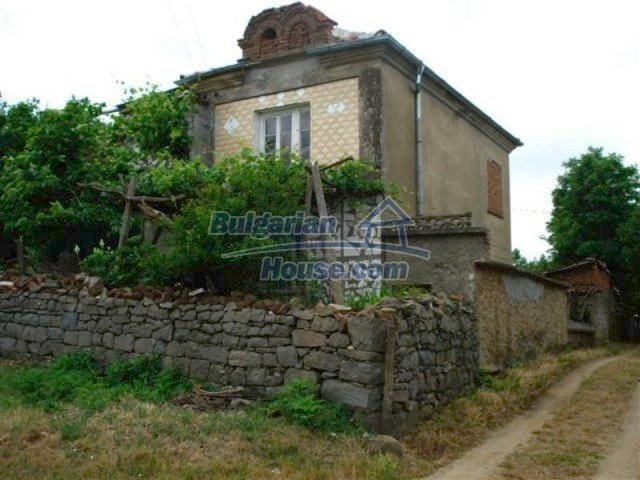 12092:1 - Very cheap and nice rural property with a huge garden - Elhovo