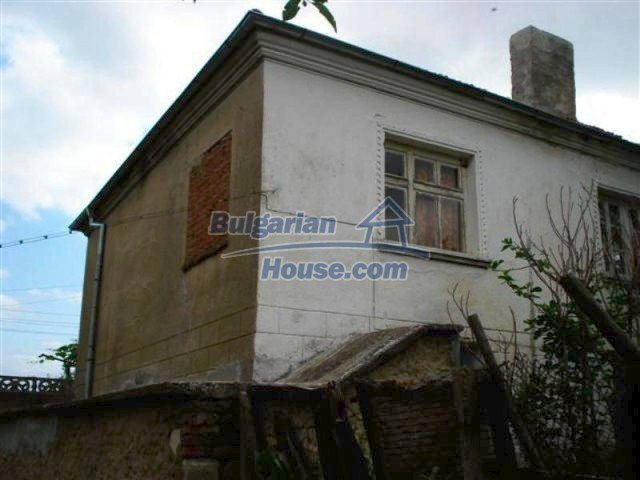 12092:4 - Very cheap and nice rural property with a huge garden - Elhovo