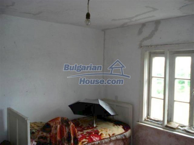 12092:9 - Very cheap and nice rural property with a huge garden - Elhovo