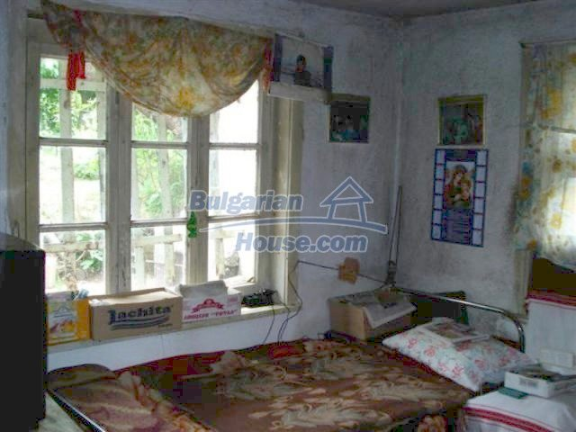 12092:12 - Very cheap and nice rural property with a huge garden - Elhovo