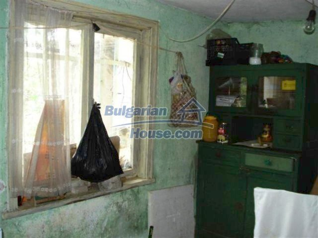 12092:13 - Very cheap and nice rural property with a huge garden - Elhovo
