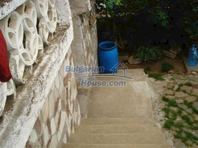 12092:14 - Very cheap and nice rural property with a huge garden - Elhovo