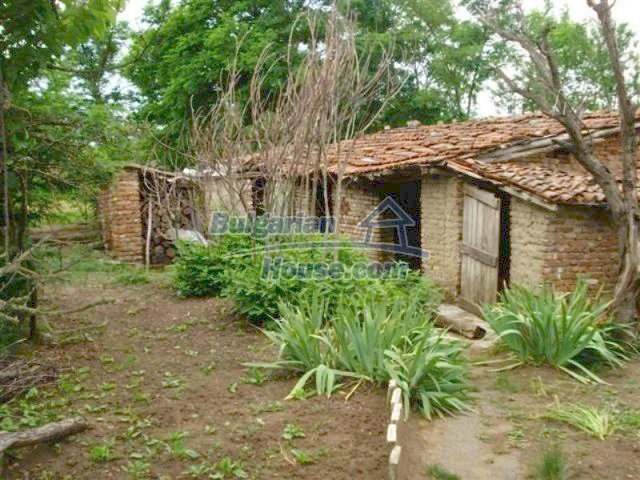 12092:15 - Very cheap and nice rural property with a huge garden - Elhovo