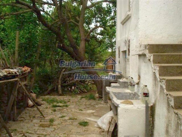 12092:18 - Very cheap and nice rural property with a huge garden - Elhovo