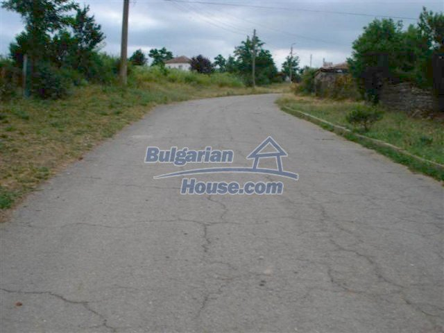 12092:20 - Very cheap and nice rural property with a huge garden - Elhovo